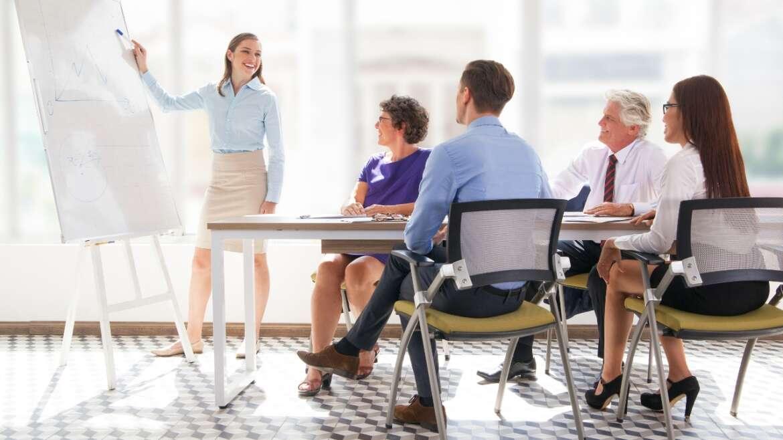 Universidade Corporativa: Entenda o Que É, Quais São os Benefícios e a Diferença da Área de Treinamento Convencional
